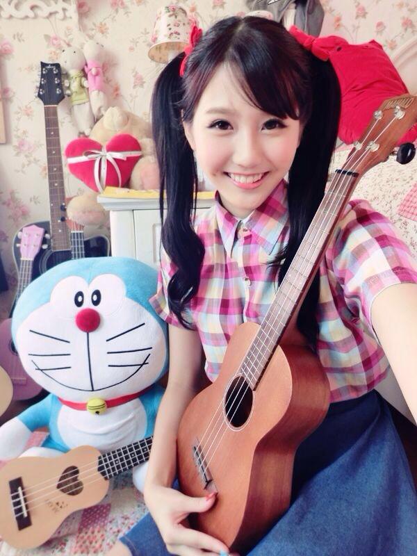 http://joycechufans.com/blog/newsong06.jpg